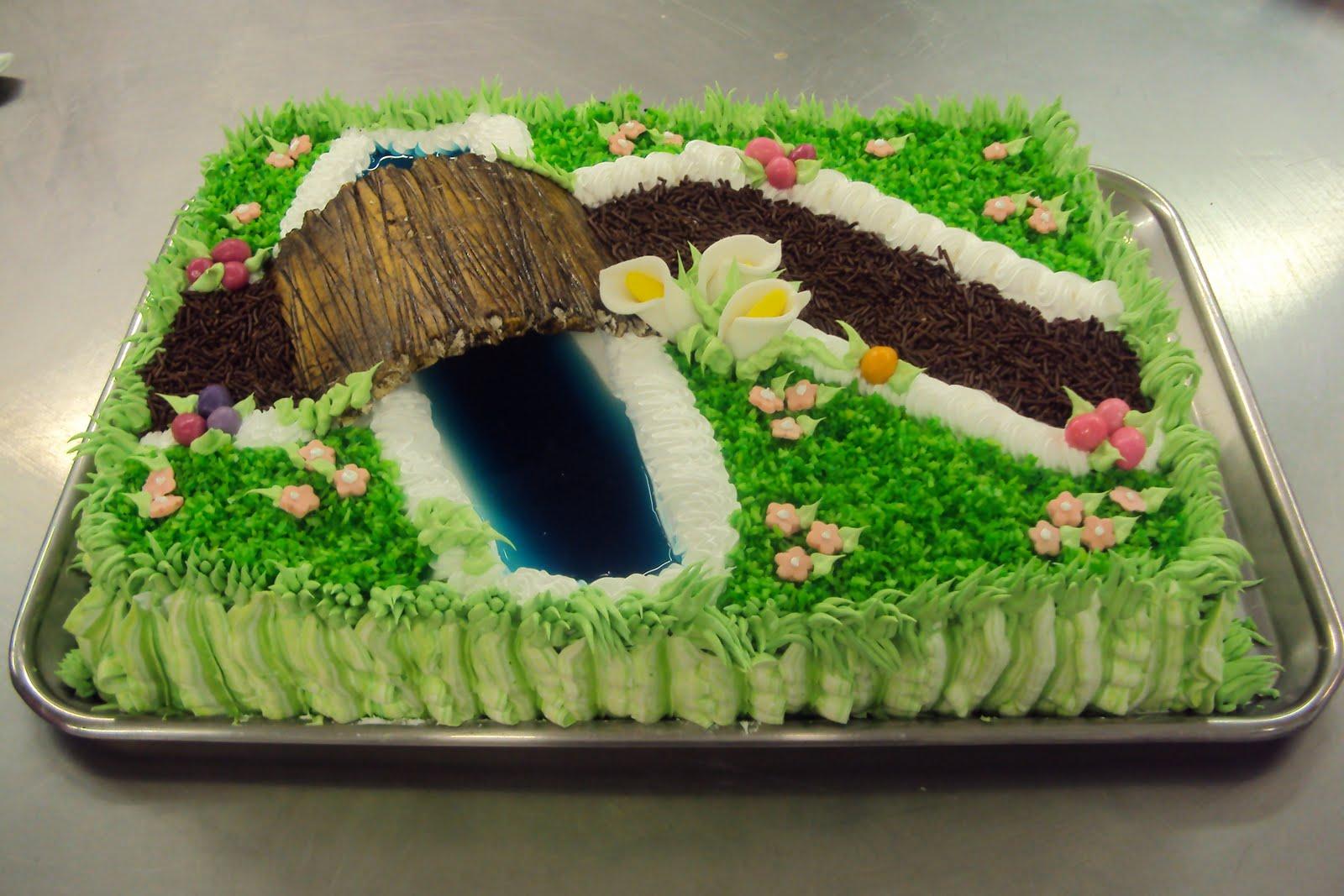 Este jardim é um bolo a ponte é de pastilhagem água é de  #337B0F 1600 1067