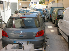 Por toda a Vila é este o estacionamento que temos!