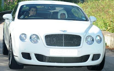 carlos tevez driving licence bentley