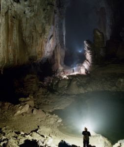 son-doong cave largest cave in the world