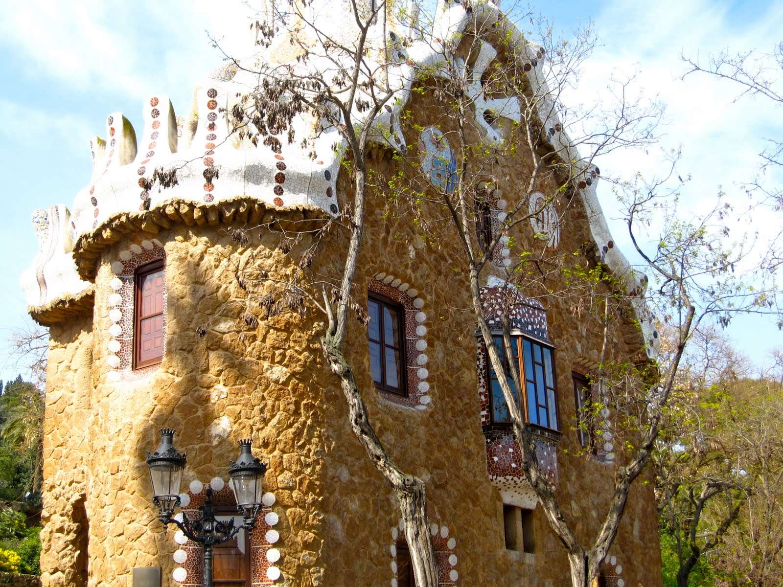 1000 images about gaudi architecture on pinterest gaudi for Architecture gaudi