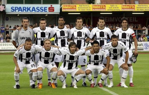 The Boys in Black and White: Beşiktaş JK (