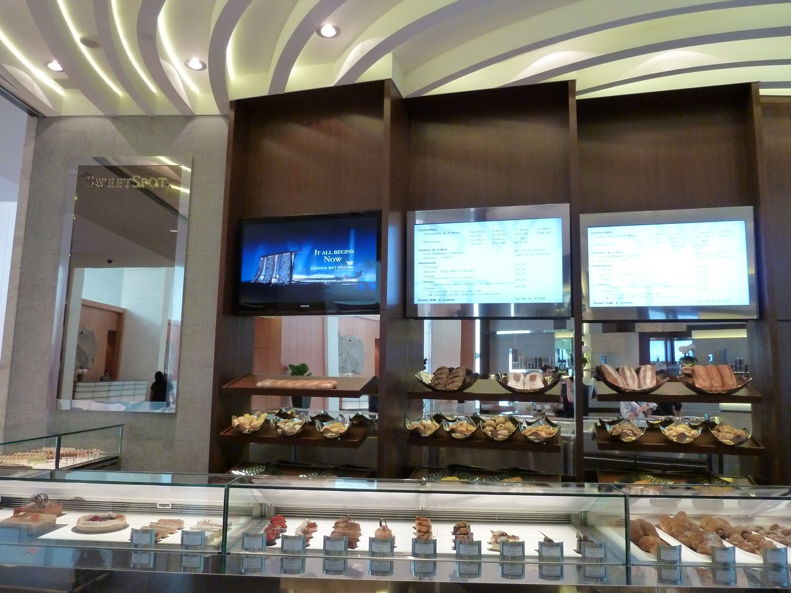 Marina Bay Sands Cake Shop