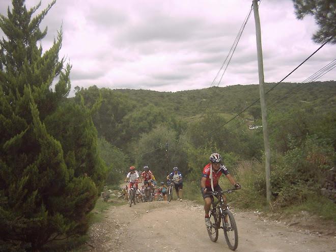 Más imágenes del evento donde participaron 160 ciclistas de distintos lugares del país.