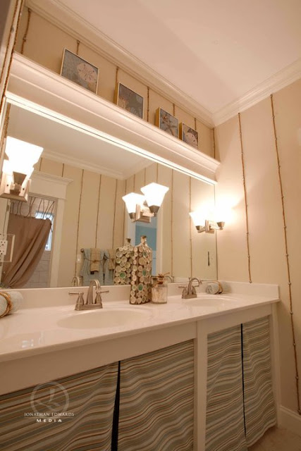 Must see home tour blue river cottage home stories a to z for Bathroom photos you must see