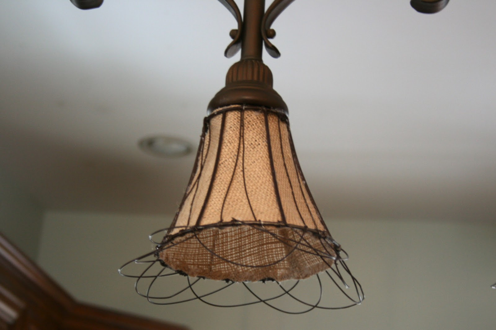 How To Make Burlap Light Shades Wire A Ceiling Rose In Simple Steps Craftomaniac Im Really Liking The Look And Loving That With Some Fabric Creativity You Can Create New Lighting For Yourself Too