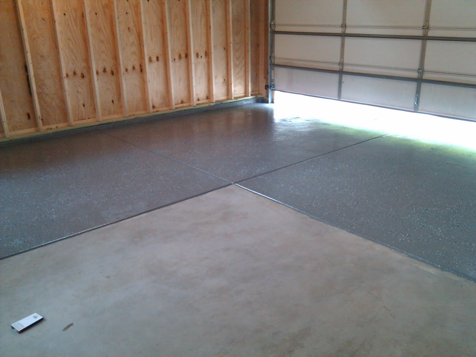 Garage floor diy epoxy floor kit from rust oleum for Garage deck