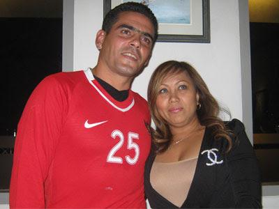 Cristian Gonzales dan istri