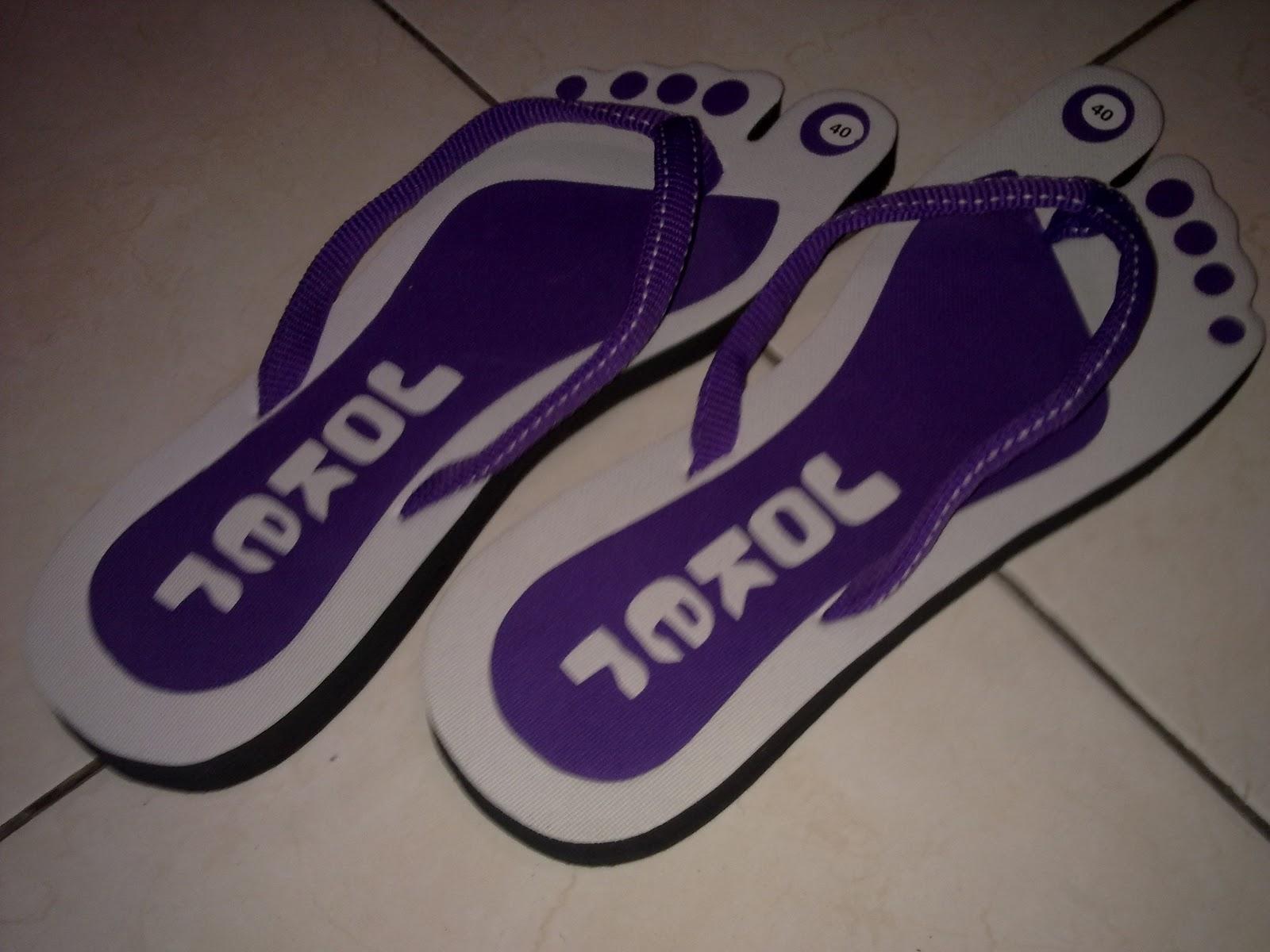 Koleksi Barang Unik Sandal Sandal Lucu