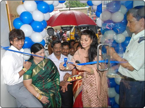 Sneha inaugurates Raj Video Vision New Showroom-Still 1