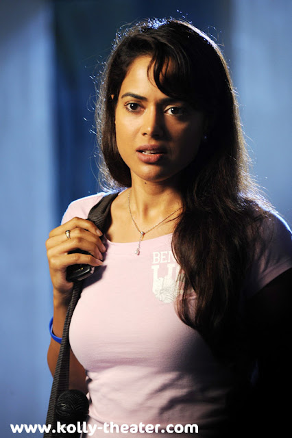 Nadunisi Naigal Movie Stills-3
