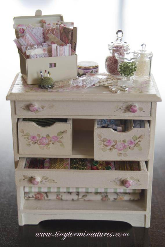 tiny ter miniatures mueble costura