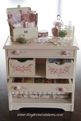 Tiny ter miniatures mueble costura - Mueble de costura ...