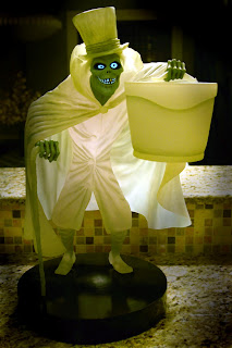 Hatbox Ghost big figure from Disney's Haunted Mansion