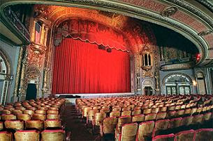 مسرح لاندمارك أحد المسارح التي توصف بأنها مسكونة بالأشباح