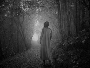 السير خلال النوم أو حالة المشي نائماً أثارت خيال الكثير من كتاب أفلام الرعب والروايات