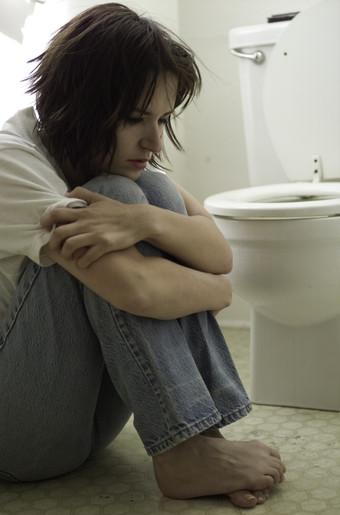 http://1.bp.blogspot.com/_UsDLFJcrPyA/TBF17_NadGI/AAAAAAAAAcA/5PjTrWWRt-A/s1600/bulimia.289180731_std.jpg