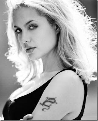 عکسهای زیبا و سیاه سفید از آنجلینا جولی