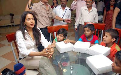 sameera reddy visits dreams home ngo in mumbai unseen pics