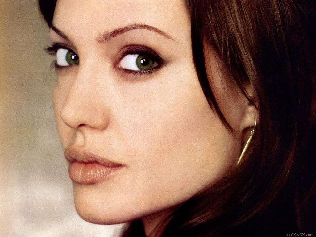 http://1.bp.blogspot.com/_UtNW1JfsC-M/TA6wW_jByzI/AAAAAAAAA9s/daWLotU2jVY/s1600/Angelina+Jolie+Hot+Girls+Inn+Wallpapers.jpg+%285%29.jpg