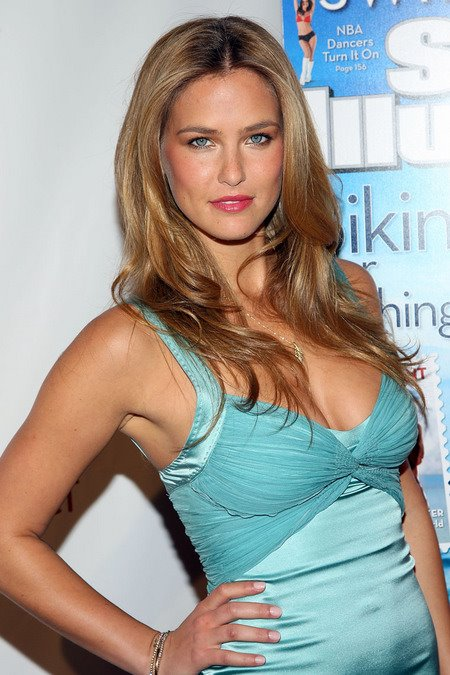[gallery_main-0212_bar_refaeli_SI_11.jpg]