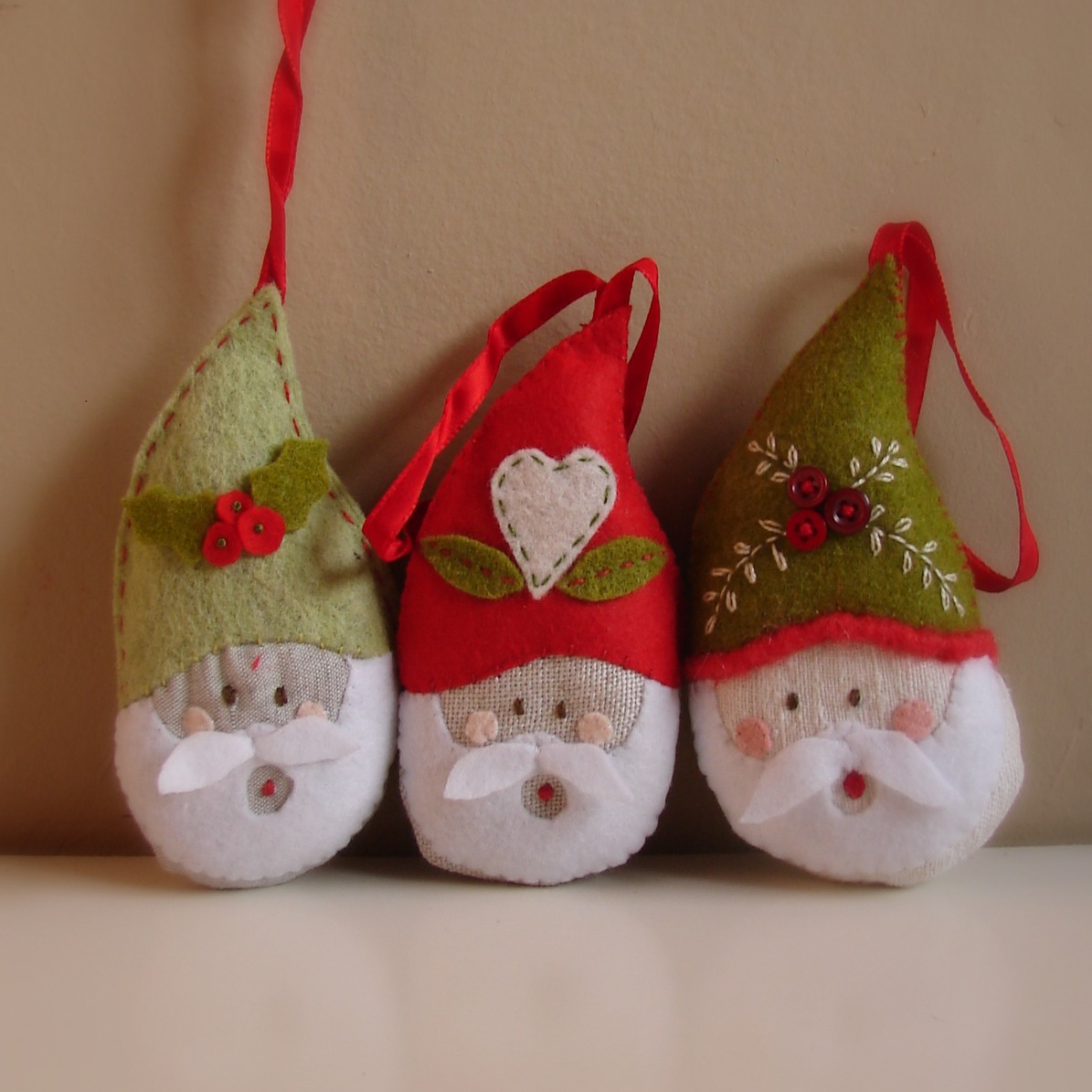 Felt christmas ornament patterns for Christmas ornament ideas