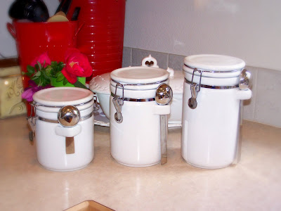 Janey Mac: Tuesday Tutorial - Kitchen Canisters