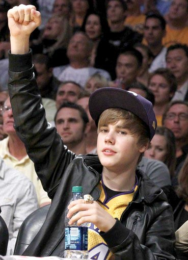 justin bieber lakers hat. justin bieber lakers hat. justin bieber lakers fan.