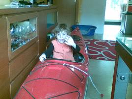 Airam in canoa in casa