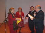Una Premiazione del Concorso di Poesia IL BAGGESE con l'ASSESSORE MAGISANO che premia Anna F.V.