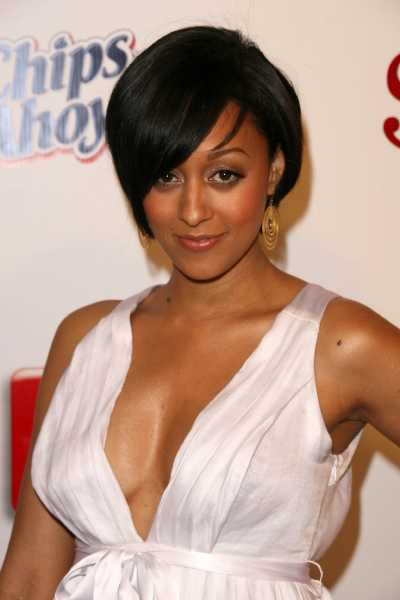 tia mowry wedding pictures. hairstyles house Tia Mowry