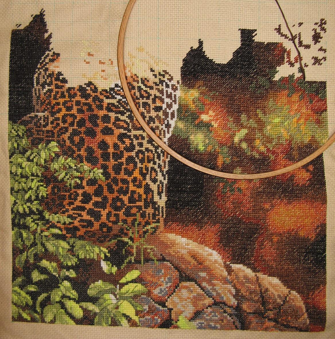 Вышивка леопард на отдыхе 11