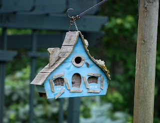 casuta pasari lemn albastra