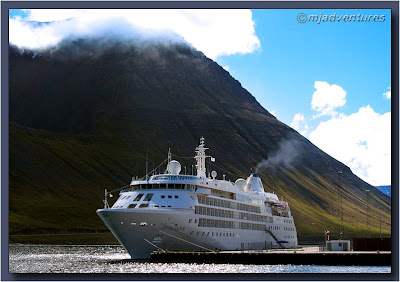 Silver_Cloud_at_Isafjordur