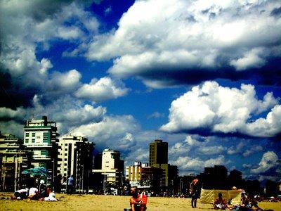 Nubes pintadas.Playa de Gandía.