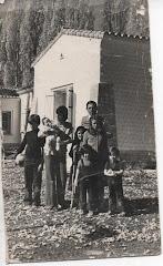 Silvito, mamá, papá y sus cinco hermanos