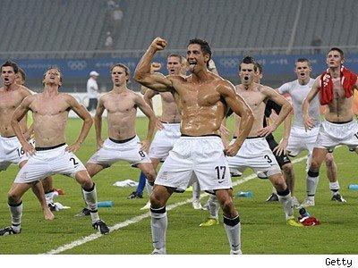 http://1.bp.blogspot.com/_V4T-lZ6_JEc/Sv20sl3PHmI/AAAAAAAAARo/0ZAbkiO4Cjs/s400/0814_new_zealand_soccer_getty.jpg