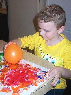 tinta,balão,coordenação motora, coordenação motora fina, atividades, educação infantil,brincar,creche,