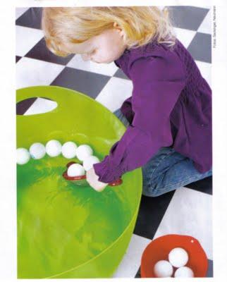 bolinhas,peneira,coordenação motora, coordenação motora fina, atividades, educação infantil,brincar,creche,