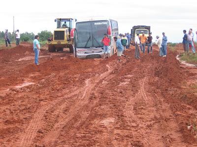 Revoltados, usuários reivindicam asfalto da antiga BR 080, entre o Xingu e o Araguaia