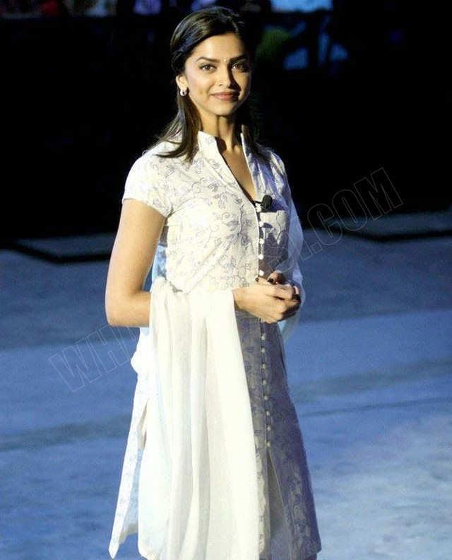 Deepika Padukone Cute Photos In White Dress