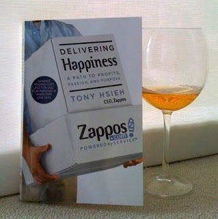 Delivering Happiness – Tony Hsieh Berbagi Kisah Suksesnya bersama Zappos