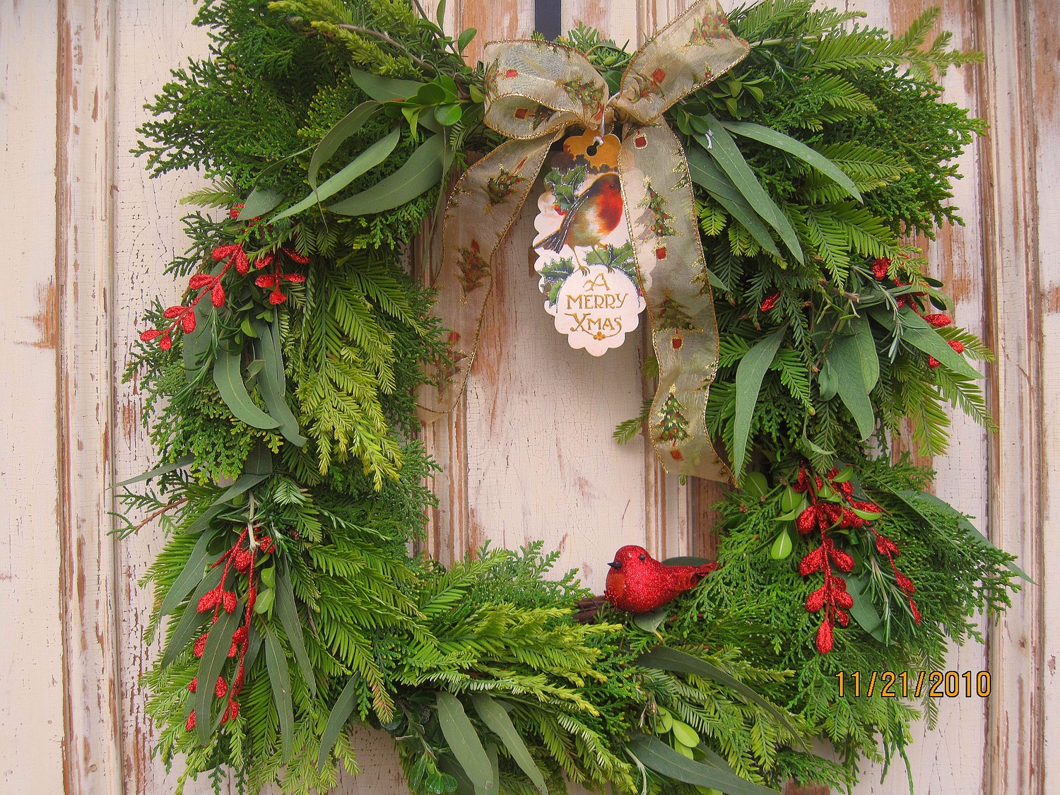 Damask and design the best christmas wreaths on etsy for Door garland christmas
