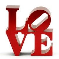 love statue Lovely Gifts For Valentine's Day
