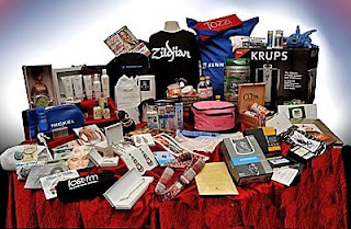 DISTINCTIVE  ASSETS GRAMMY   GIFT BAGS 1 Addicted To Fast Food, Plus An AG Giveaway!