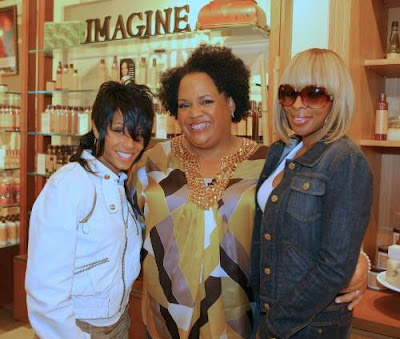 Mary J. Blige Lisa Price Jada Pinkett Smith%5B1%5D Jada And Her New Do Are Back In Front Of The Camera