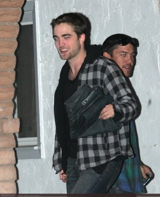 robert+pattinson+haircut Breaking News: Rob Pattinson Cut His Hair