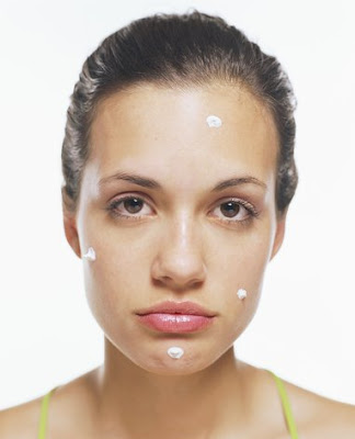 woman+acne Words From The Wise: Clinique Offers Help For Hyperpigmentation