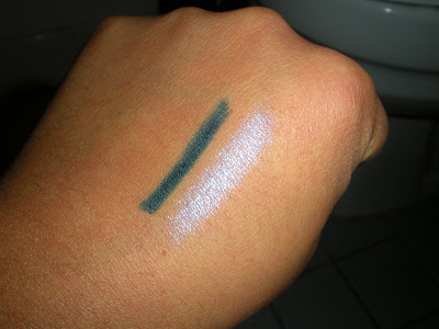 Recessionista's Fabuless Pick of the Week: Wet N Wild Dual Effects Eye Pencil