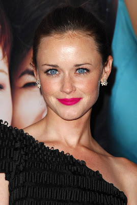 alexis bledel sisterhood nc Whos Afraid of the Big, Bold Lip?